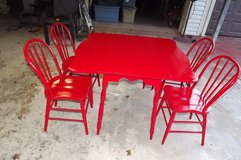 VINTAGE ANTIQUE FARMHOUSE TABLE AND CHAIRS in Pasadena, Texas