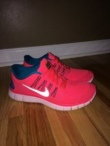 Women's Nike Free 5.0 Neon Coral & Teal Shoes sz 10 in Clarksville, Tennessee