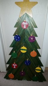 4 ft Wooden Easel Christmas Tree decoration in Lawton, Oklahoma