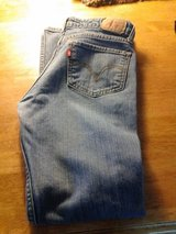 Womens Size 6 Levis in Vacaville, California