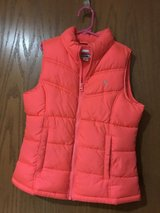 Girls old navy puffer vest in Chicago, Illinois