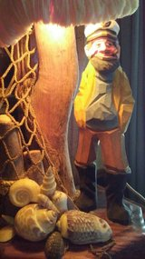 Vintage Wood Carved & Coral Fisherman Lamp in Fort Campbell, Kentucky