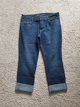 Woman's Old Navy 10 Dark Jeans in Camp Lejeune, North Carolina