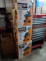 FOR SALE: RIDGID 6 Gal Wet/Dry Vacuum NEW in Joliet, Illinois
