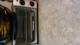 Farberware toaster oven in Fort Bliss, Texas