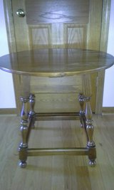 Ethan Allen round end table in Lockport, Illinois
