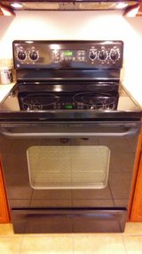 GE Glass Cooktop Stove in Bellaire, Texas