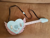 EXCELLENT CONDITION! Girls Play Electric Guitar in Fort Campbell, Kentucky