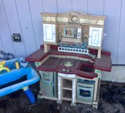 Kids Kitchen/water play table in Olympia, Washington