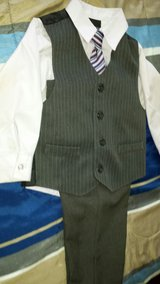 suit for kids,  4T in Naperville, Illinois
