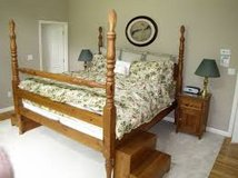 Queen Pine Four Poster Bed Frame w/Pineapple Finials in 29 Palms, California