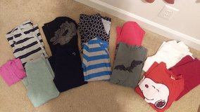 Sz. small and med. junior/women's shirts lot in Hinesville, Georgia