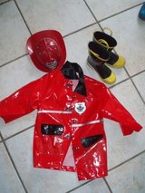 Fireman outfit size 4-6 Halloween dress up in Stuttgart, GE