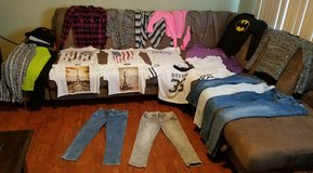 girls& juniors clothes in Fort Knox, Kentucky