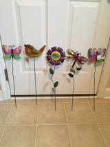 NWT Assorted Garden Stakes in Camp Lejeune, North Carolina