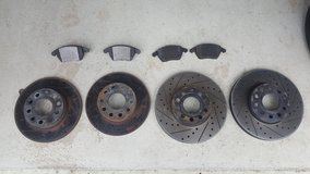 jetta vw mk5 crossdrilled rotors and brake pads in Ramstein, Germany