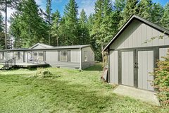 """GREAT """"AFFORDABLE"""" UPDATED 3 BEDROOM HOME ON A FULL ACRE NEAR JBLM!!! in Fort Lewis, Washington"""