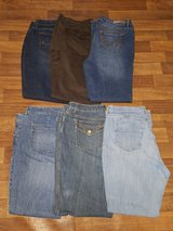 6prs. Womens PLUS Size jeans/pants sz. 18 in Cherry Point, North Carolina