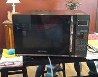 EMERSON 1.2  cu ft Microwave with Grill in Kingwood, Texas