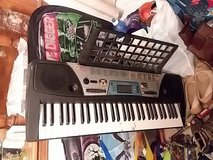 Yamaha PSR-170 keyboard and music stand in Alamogordo, New Mexico