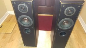 Set of 2 Technics SB T-100 Tower Speakers in Warner Robins, Georgia