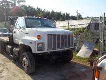 1990 GMC TOPKICK in Camp Lejeune, North Carolina