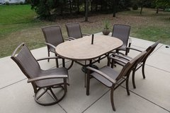 Patio Set With Table and 6 Chairs in Glendale Heights, Illinois
