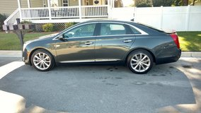 LIke new 2013 Cadillac XTS in Cherry Point, North Carolina