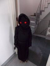 Halloween Creepy Costume Grim Reaper Phantom Glowing Eyes, Medium 8-10 in Wiesbaden, GE