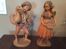 Pair of wooden figures in Conroe, Texas