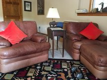 2 Comfy leather chairs in Fort Leavenworth, Kansas