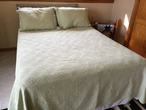 Queen size bed and frame in Fort Leavenworth, Kansas