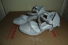 girls size 11 sparkle shoes in Fort Campbell, Kentucky