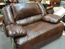 Large reclining chair & 1/2 leather & fabric in Lake of the Ozarks, Missouri