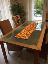 Dining Table in Grafenwoehr, GE