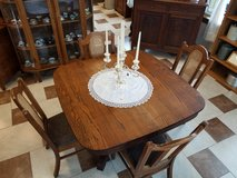 Wisconsin Furniture Company Twin Pedestal Table and 4 in Fort Leonard Wood, Missouri