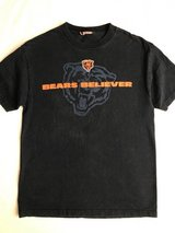 Mens Bears shirt size XL in Naperville, Illinois