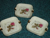 vintage personal ashtray set of 3 in Plainfield, Illinois