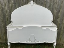 Shabby Chic Full Antique Bed in Bartlett, Illinois