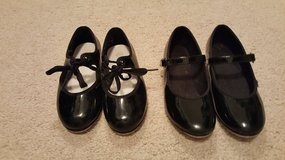 Girl Tap Shoes size 8.5 and 9 in Naperville, Illinois