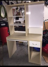 Cream/White Desk w Hutch in Algonquin, Illinois
