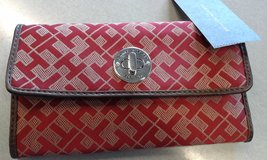 BRAND NEW Red Tommy Hilfiger Wallet W/ TH Logo, Zippered Coin Section & Snap Closure in Kissimmee, Florida