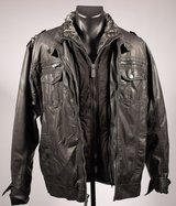 Men's Faux Leather Jacket/ Detachable Fur Faux Collar in Stuttgart, GE