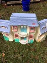 Fisher Price doll play house in Camp Lejeune, North Carolina