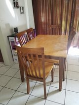 dining table and 6 chairs in Kissimmee, Florida