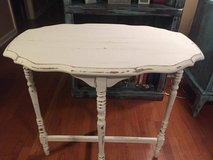 Beautiful Painted/Distressed White Accent Table in Hopkinsville, Kentucky