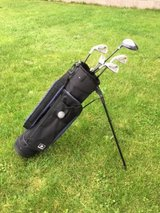 Dunlop Junior Golf Club Set with Bag in Ramstein, Germany
