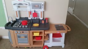 Kitchen set in Manhattan, Kansas