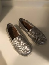 Girl size 12 Toms in Naperville, Illinois