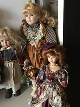 Doll Girls look for a Home in Baumholder, GE